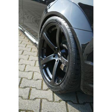 MERCEDES-Benz C63 AMG rear fender extensions