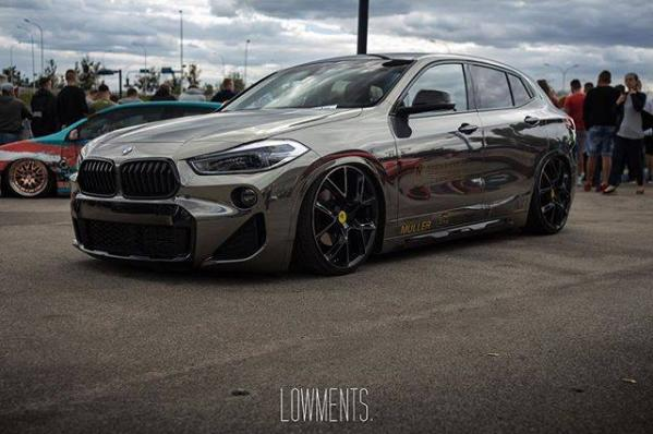 BMW X2 Lowered on mbDESIGN Wheels Looks Like a Golf GTI Rival