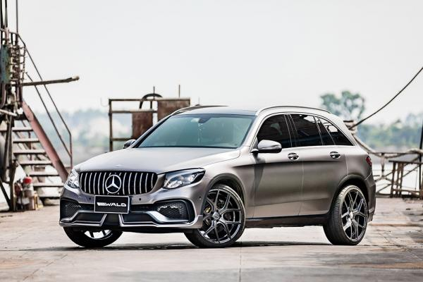 Mercedes GLC-Class Black Bison Tuned by Wald Has a Nose Implant