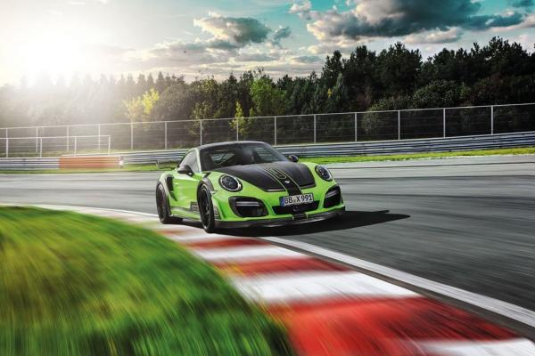 THE PORSCHE 911 TURBO GTSTREET R – GREEN BEAST FROM TECHART