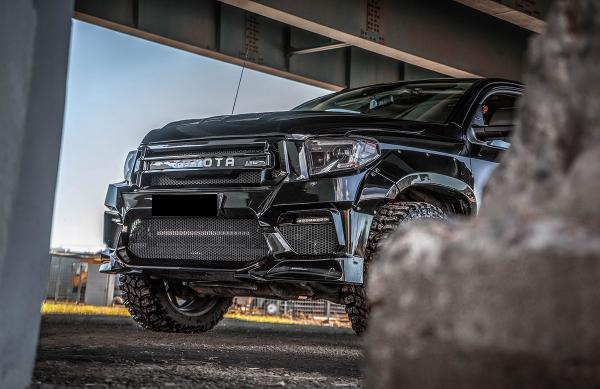 Renegade Toyota Tundra body kit