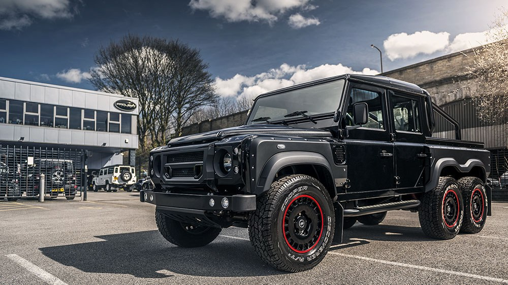 The new Kahn 6.2 V8 Flying Huntsman 6X6 Defender has all the Power!