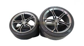 MCLAREN LIGHT WEIGHT STEALTH ALLOY WHEELS WITH DEMO TYRES