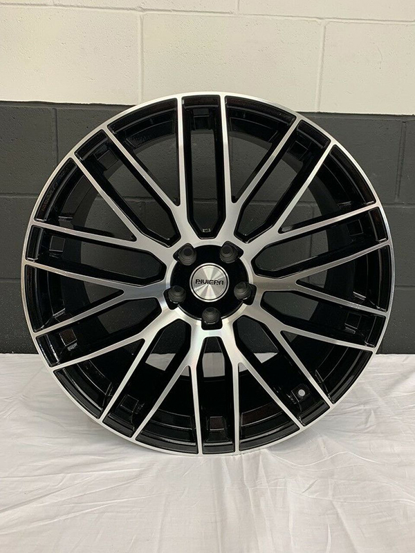 Single Riviera Wheel Black With Machined Face 22x10J