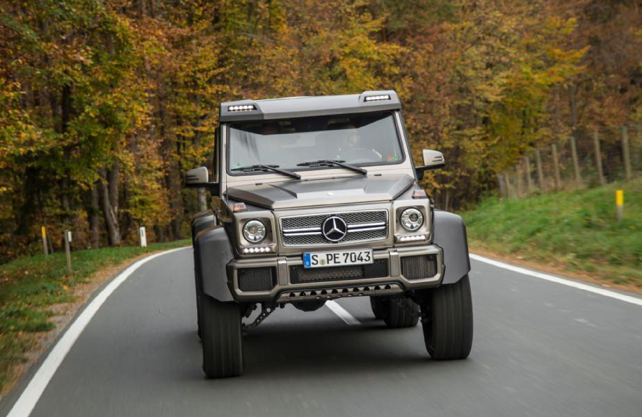Mercedes 6x6 AMG Carbon Front Roof Spoiler With LEDu0027s For All G Class