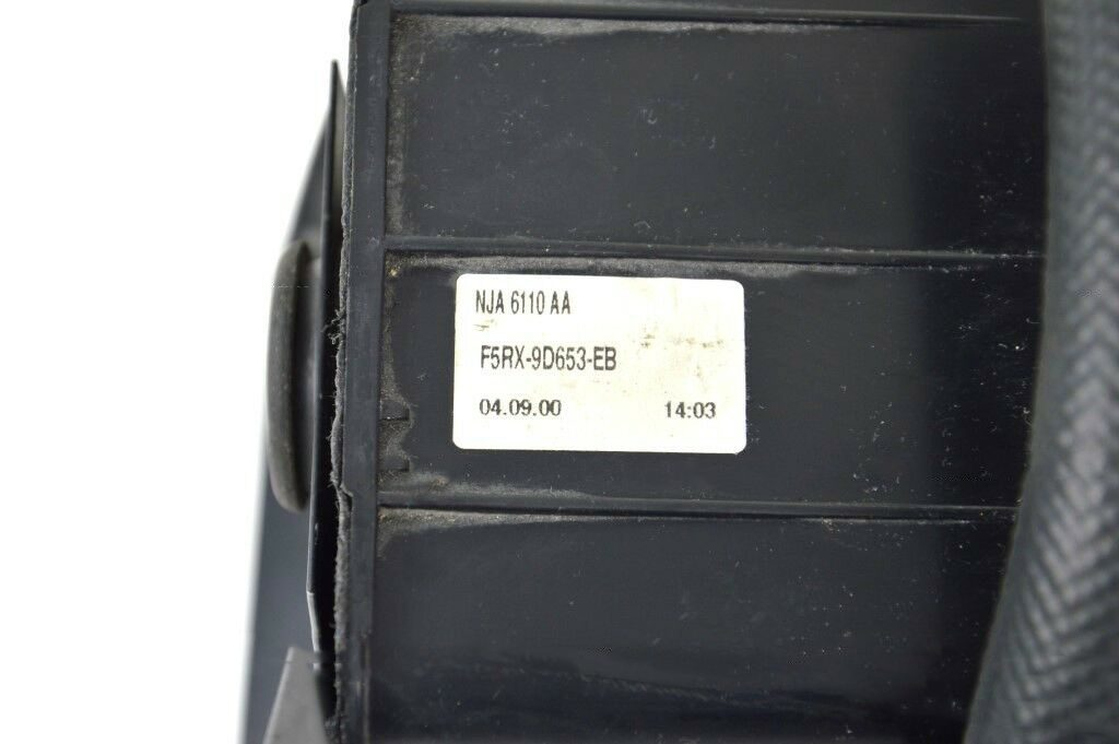 Aston-Martin-DB7-Vantage-V12-Carbon-vapor-filter-with-pipes (2)