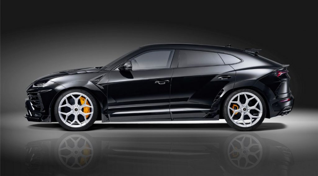 Black-Lamborghini-Urus-Side-view