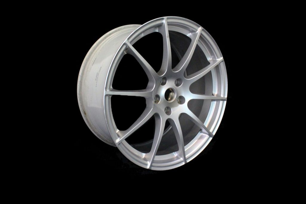 MCLAREN P1 FRONT 10 SPOKE ALLOY WHEEL 9.5 X 19 - SILVER (1)