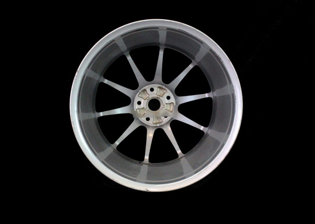 MCLAREN P1 FRONT 10 SPOKE ALLOY WHEEL 9.5 X 19 - SILVER (4)