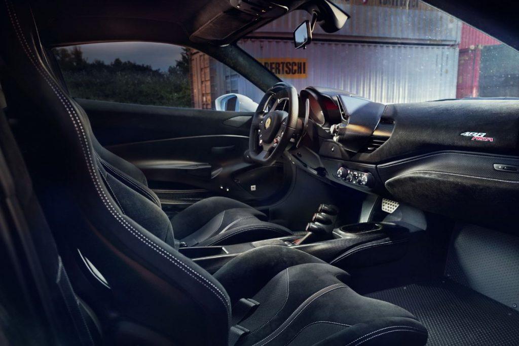 Novitec-Ferrari-488-Pista-Interior