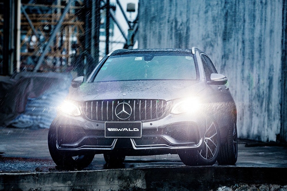 mercedes-glc-class-black-bison-tuned-by-wald-has-a-nose-implant_1