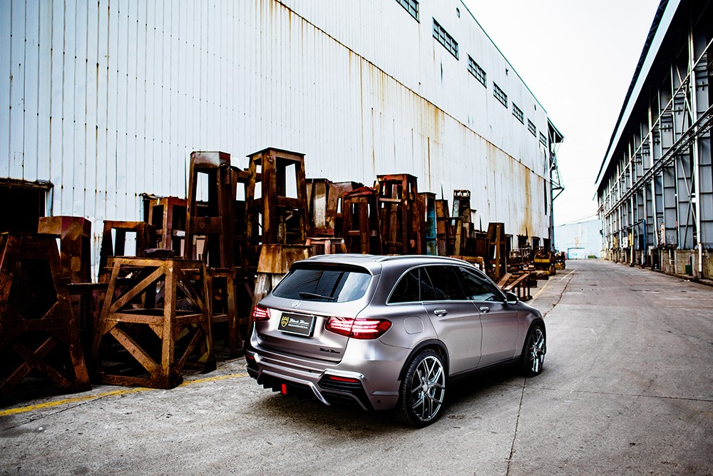 mercedes-glc-class-black-bison-tuned-by-wald-has-a-nose-implant_6